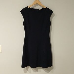 Gap size 4 navy cap sleeve dress